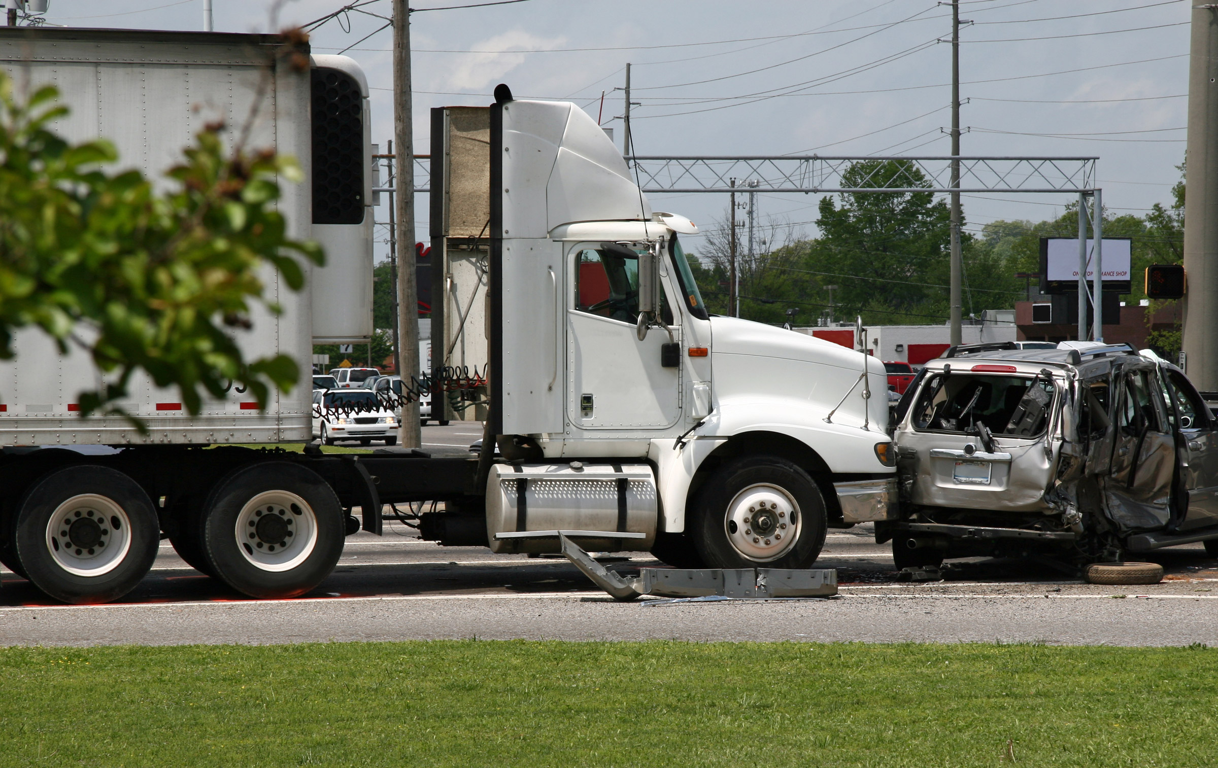 Semi-Truck-Rear-End-Crash-with-Van