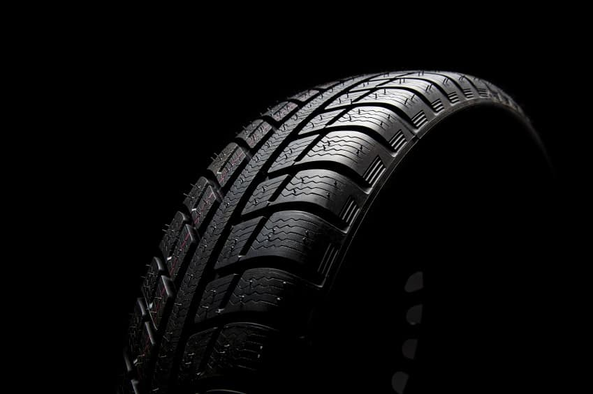 Ask a Safety Rep: Can I Use Retreaded Tires On The Steer Axle?